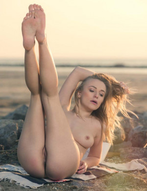 Aislin naked blonde, outdoor